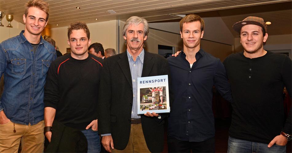 Vernissage der 29. Ausgabe von RENNSPORT SCHWEIZ: von links Nico Müller, Simon Trummer, Autor Stefan Lüscher, Patric Niederhauser und Fabio Leimer.