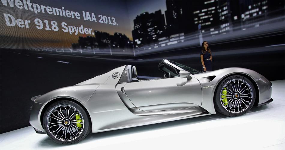 Offizielle Weltpremiere des Porsche 918 Spyder auf der IAA Frankfurt 2013.